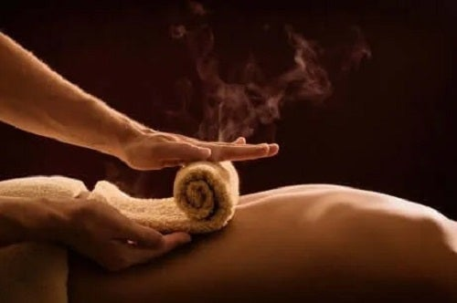 Cum previi artrita mținilor prin masaj fierbinte