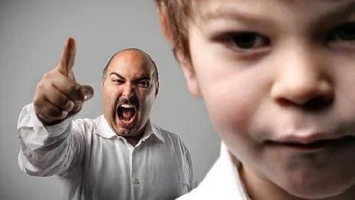 Țipatul la copii este inacceptabil