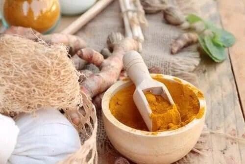 Turmericul pentru tratarea acneei sub formă de remediu natural