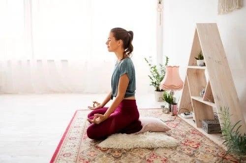 Yoga tratează oboseala cauzată de artrita psoriazică