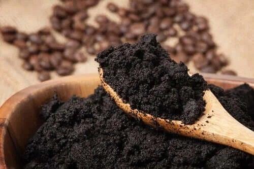Zaț de cafea în lingură