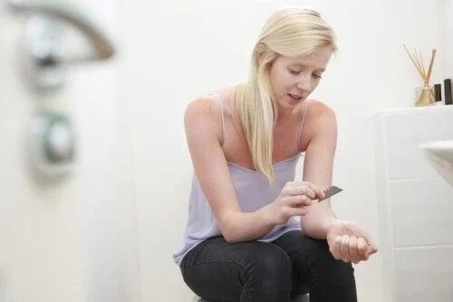 Adolescenții care se rănesc singuri