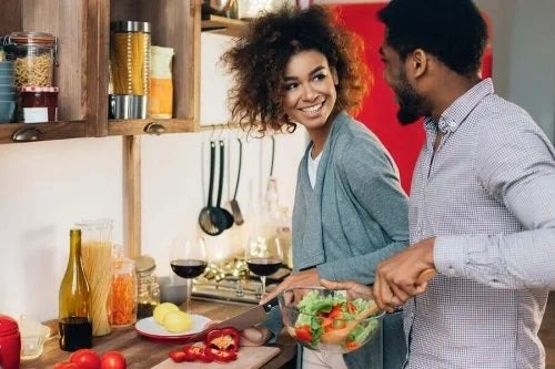 Beneficiile gătitului în cuplu