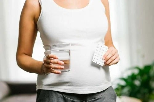 Trebuie să consumi acid folic în sarcină