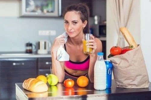 Fată care știe cum să consumi carbohidrați corect