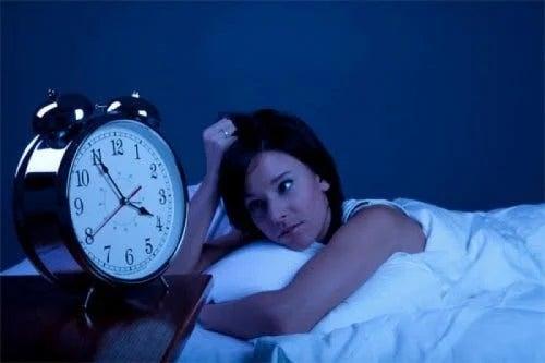 Fată care are insomnie