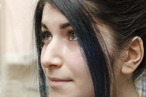Fată cu nasul cârn