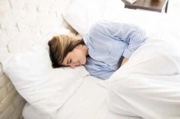 Remediu cu ghimbir pentru crampele menstruale