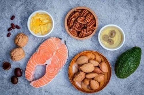 Alimente ce conțin grăsimi sănătoase