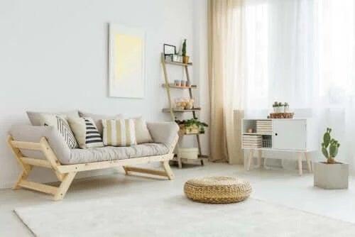 Living cu obiecte decorative indispensabile pentru confort