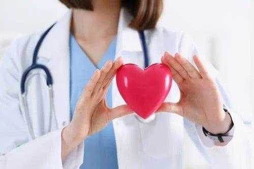 Medic care nu recomandă să mănânci mult avocado pentru inimă