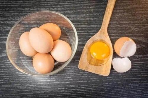 Ouăle crude protejează părul de soare