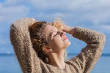 Tratamente care protejează părul de soare