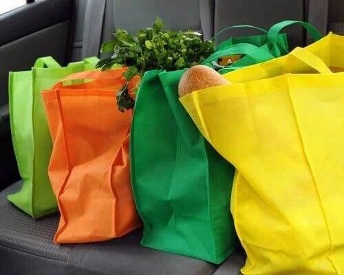 Cum să reduci utilizarea de plastic când mergi la piață