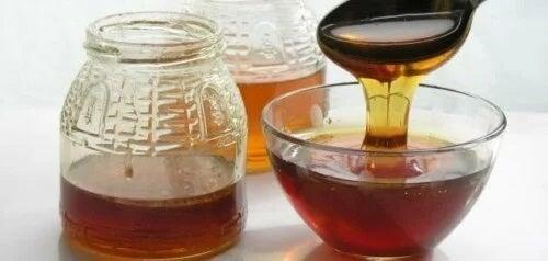 Remedii pentru infecțiile oculare cu miere