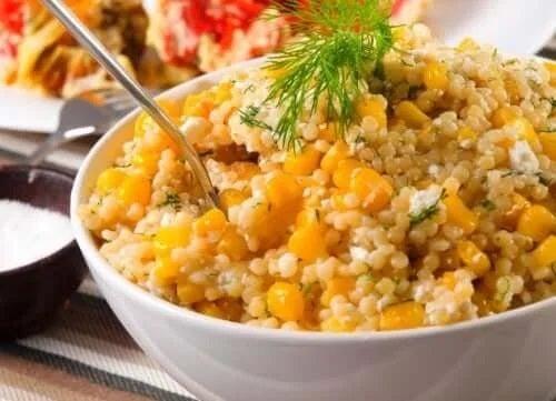 Rețete de salată cu quinoa și porumb
