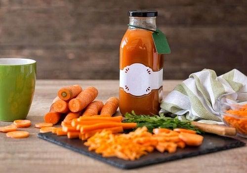 Sirop de morcovi pentru gripă: beneficii și rețetă