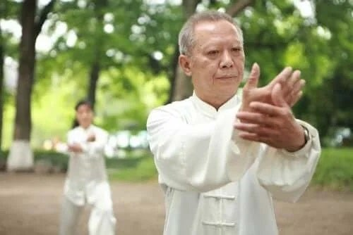 Instructor de tai chi