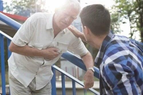 Bărbat care are nevoie de tratamentul blocului de ramură