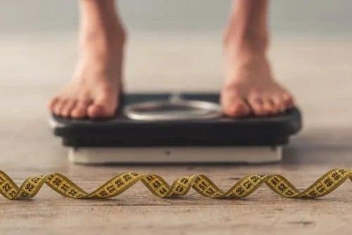 Elimini grăsimea din dietă ca să slăbești