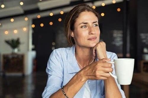 Femeie care a adoptat diete pentru sănătatea ficatului