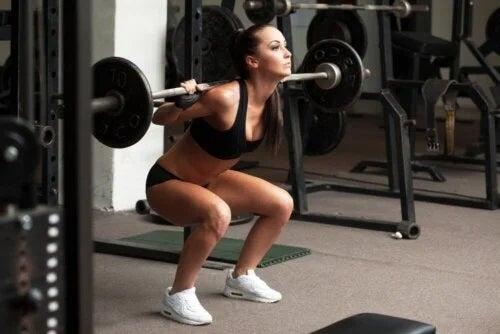 Femeie care face sport