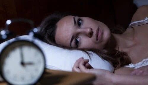 Femeie care are insomnie