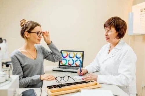 Medic ce explică care sunt cauzele discromatopsiei