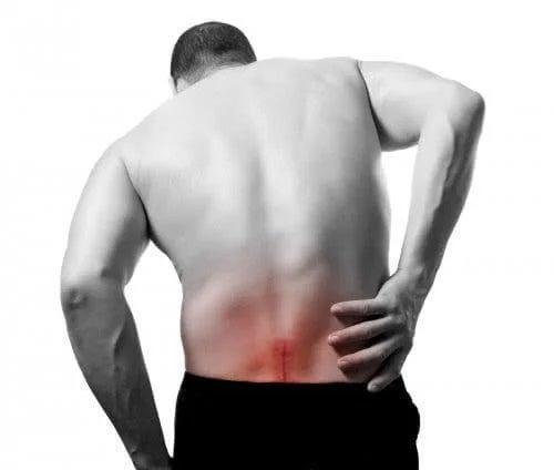 Persoană cu nervul sciatic inflamat