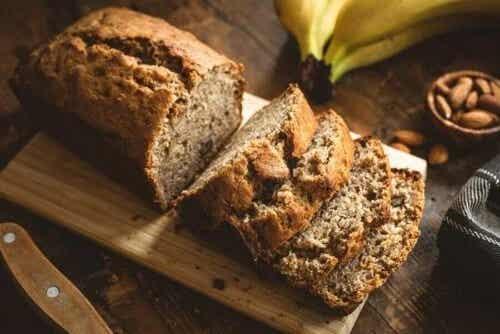 Rețetă de pâine cu migdale și banane