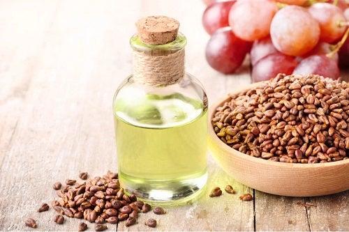Recipient cu ulei esențial din sâmburi de struguri