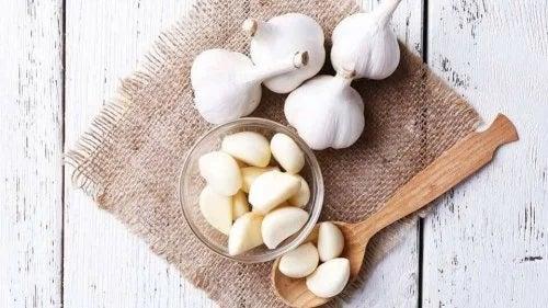 Remedii cu usturoi pentru colesterol ridicat