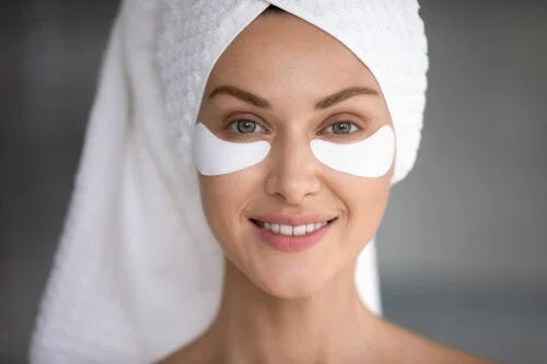 Cum să scapi de pungi sub ochi cu uleiuri