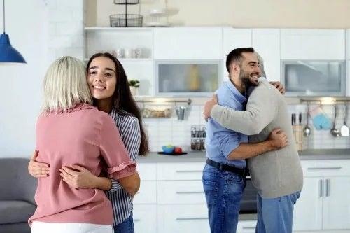7 sfaturi ca să te înțelegi cu socrii