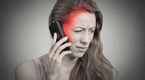 Pacient alergic la electricitate și telefoane