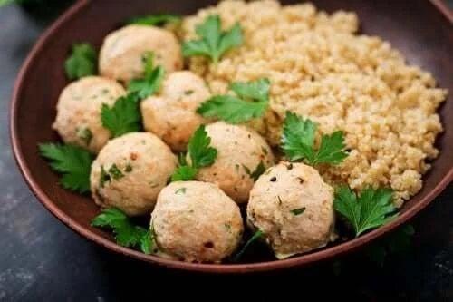 Rețetă de chifteluțe cu quinoa și năut