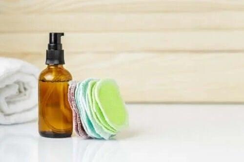 Cum să faci dischete demachiante reutilizabile