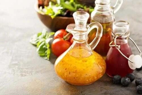 Ingrediente pentru salată cu quinoa și legume coapte