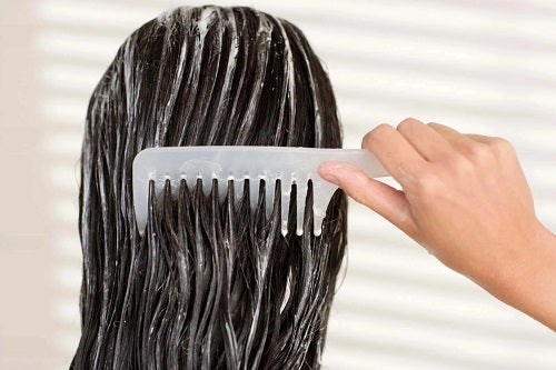 Îngrijirea părului vopsit la duș
