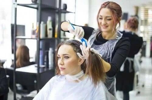Îngrijirea părului vopsit: 5 secrete