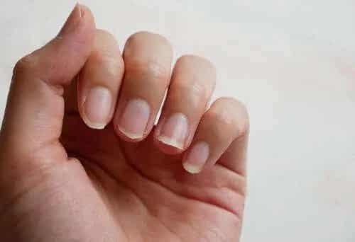 5 sfaturi pentru întărirea unghiilor