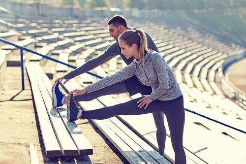 Întinderi înainte de alergare