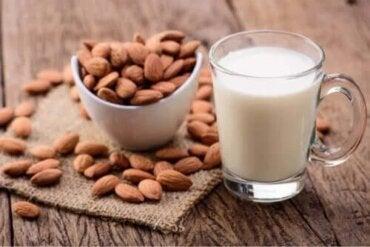 Laptele de migdale pentru copii: avantaje