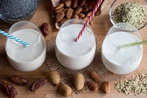 Pahare de lapte de migdale