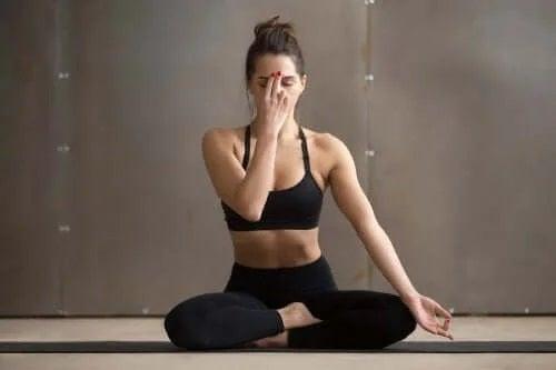 Poziții de yoga pentru odihnă