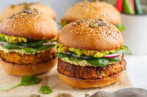 2 rețete de burgeri vegetarieni delicioși