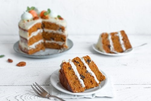 2 rețete ușoare de tort de morcovi