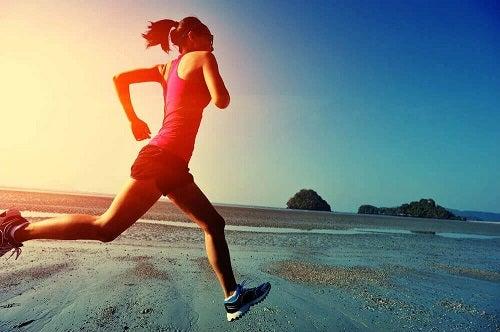 Sfaturi pentru alergători pe nisip