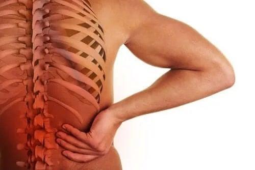 Simptomele spondiloartropatiei la bărbați