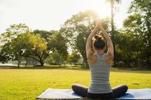 6 exerciții de yoga pentru odihnă mai bună